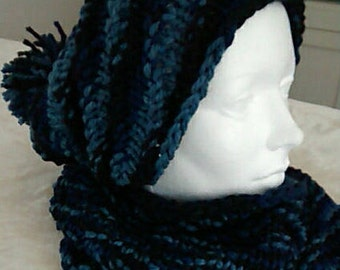 Hat style slouchy and blue neck warmer