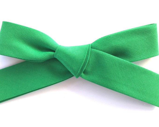 Large Retro Bow  || kelly green