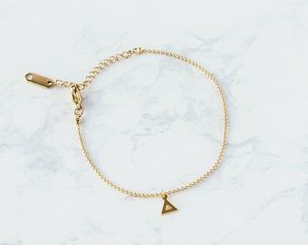 Dainty Gold Triangle Bracelet