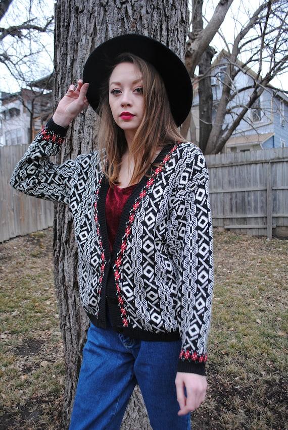 Black Leslie Fay White 90/'s Clothing Oversized Vintage Cardigan Medium Small Red Vintage Sweater Vintage Clothing Tribal Print