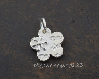 solid sterling silver flower disc coin charm pendant 13x13mm