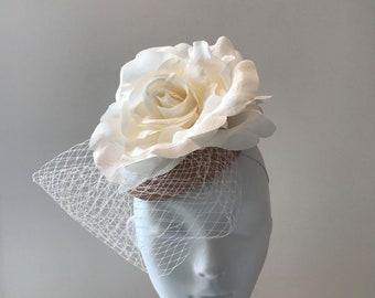Pretty ladies races hat, Derby hats for women, Meghan Duchess fascinators hats, Kate Middleton fascinator, Best Kentucky Derby hats to buy