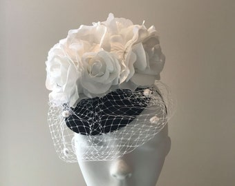 Black and white derby hats for women, best derby hats to buy, Markle hats, Middleton fascinator, Black and white Ladies Ascot hats