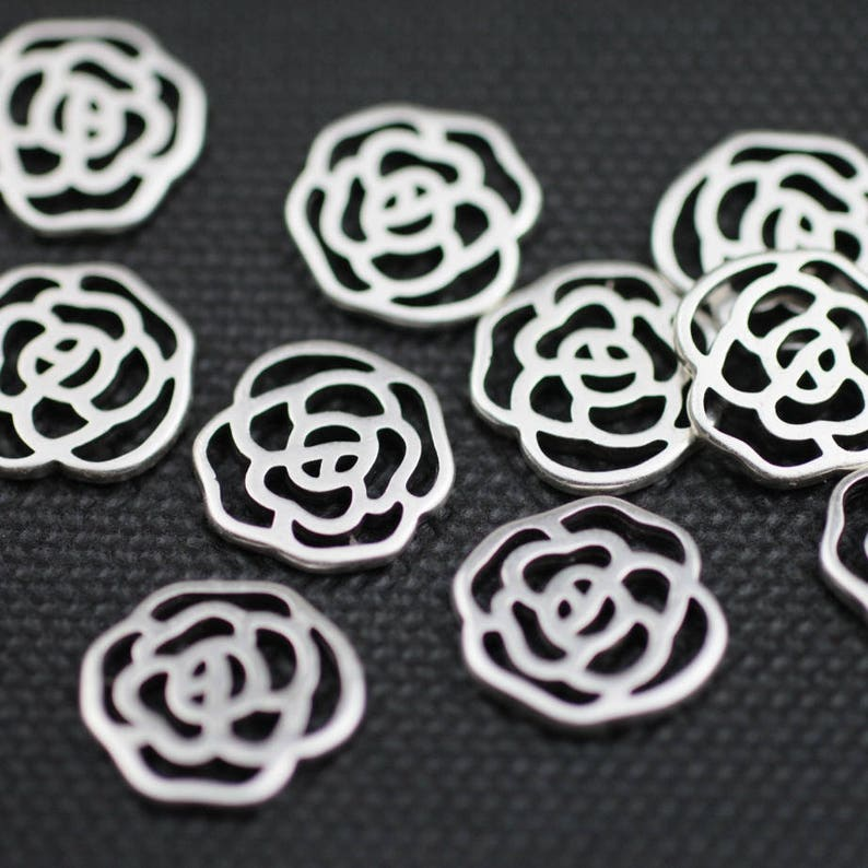 ZM76 10x Rose pendants Made in Europe Antique Silver Tone High Quality