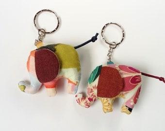 Elephant keyring, pink/green