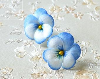 Blue flower Earrings Blue Wedding Jewelry flower Gift for girlfriend Pansy earrings Floral earrings Romantic Wedding earrings Nature jewelry