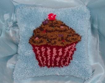 Chocolate Cupcake latch hook