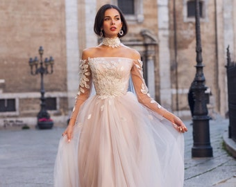 1578649d3cc6 Wedding dress 'SCARLETT' / Gorgeous pale rose wedding dress withsleeves and  beautiful cape