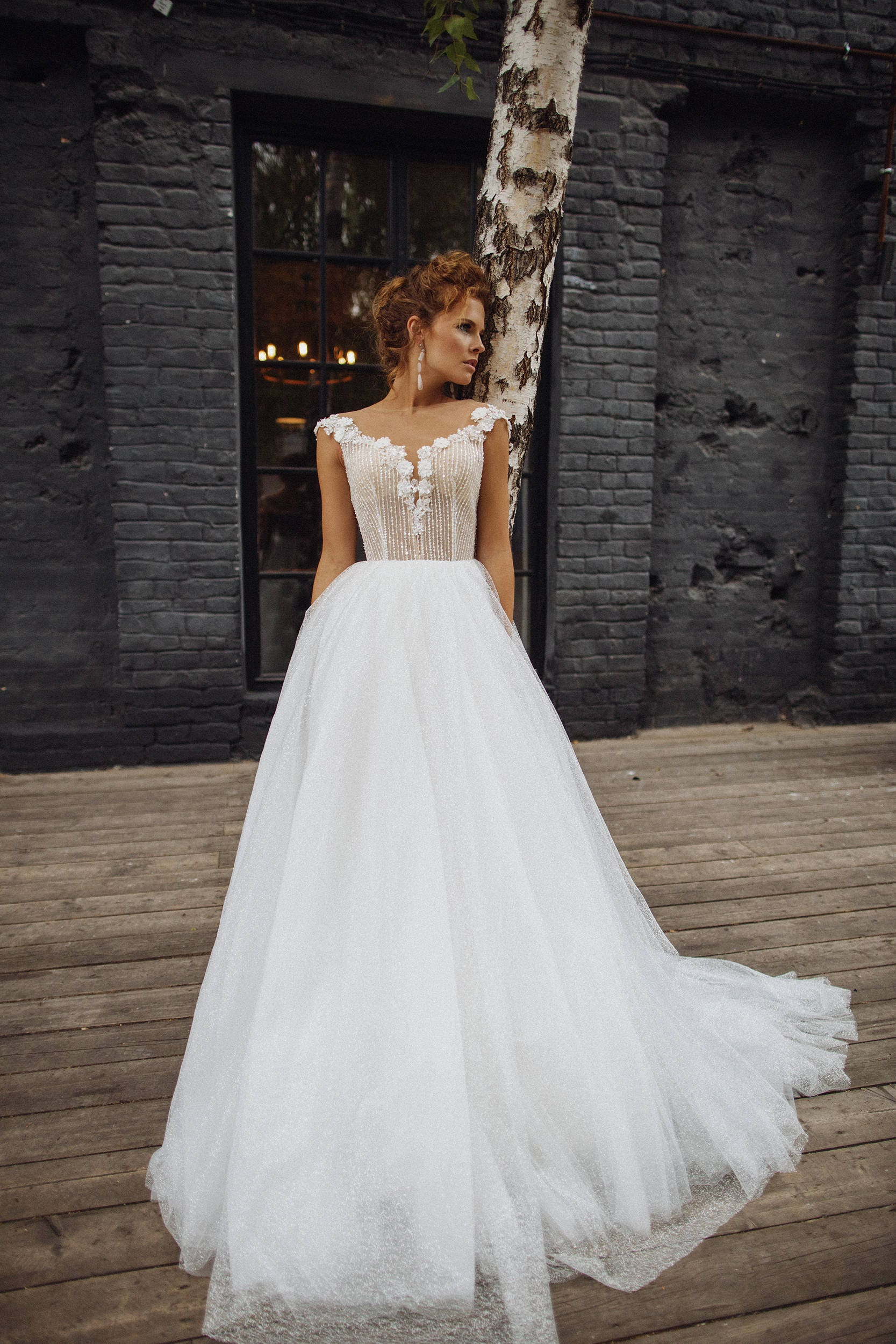 Beautiful Wedding Dresses.Wedding Dress Alisson Beautiful Wedding Dress With Shimmering Silver Light Gray Layer In Skirt