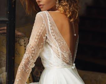 Wedding dress 'ELISE' // short wedding dress, boneless, tea length wedding dress, lace wedding dress, long sleeve, boho wedding dress