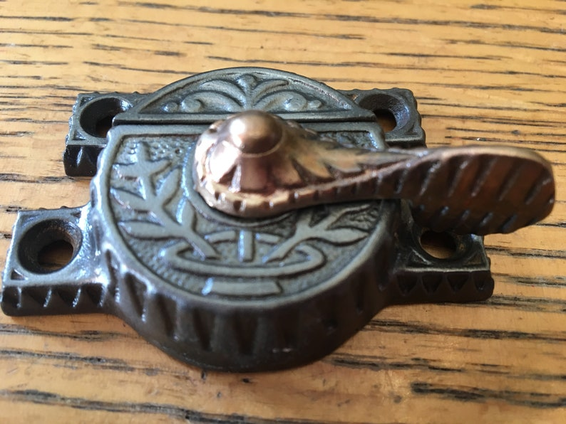 "Antique ""Windsor"" cast iron window sash lock 2 9//16"" width"