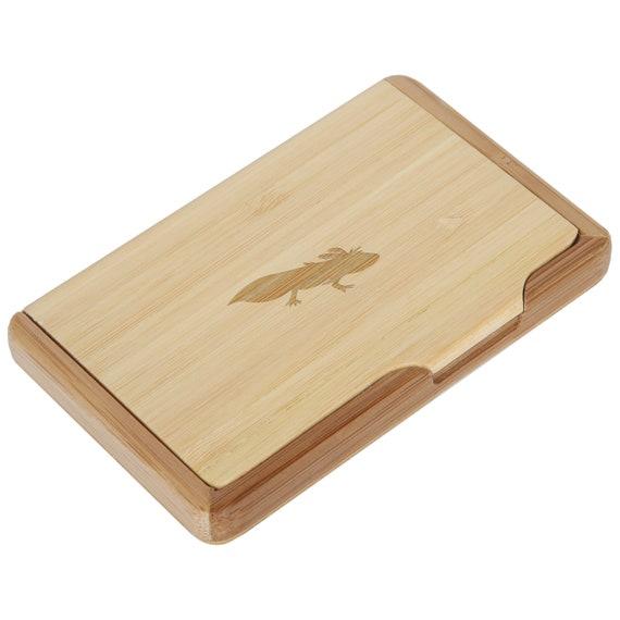Axolotl bambou porte cartes d'affaires avec Laser gravé Design - gardien de la carte de visite - qui se tient jusqu'à 10 cartes