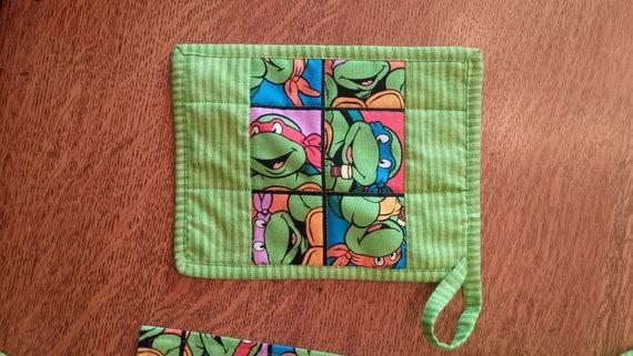 Lined Sizes 2T to 6T Child/'s Teenage Mutant Ninja Turtles apron washable adjustable ties !8 wide by 20 tall plus ties.