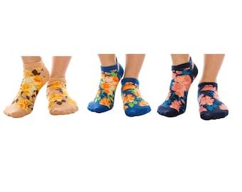 Merry Christmas Unisex Funny Casual Crew Socks Athletic Socks For Boys Girls Kids Teenagers