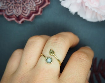IGASHO Moonstone Brass Ring