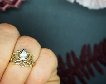 LOTUS Moonstone Brass Ring