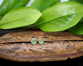 Minimalistic Hexagon Sterling Silver 925 Ear Studs with Peridot Stone