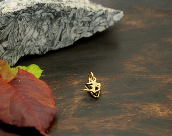 AUM black Onyx Sterling Silver 925 18ct Gold Plated Pendant