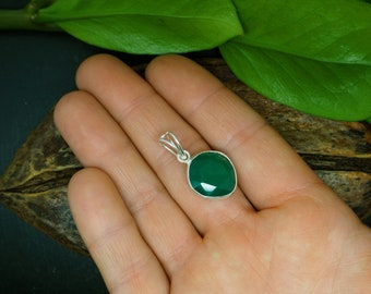 GREEN ONYX Sterling Silver 925 Pendant