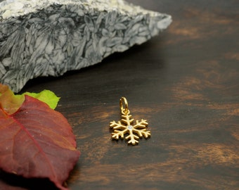 SNOWFLAKE Sterling Silver 925 18ct Gold Plated Pendant