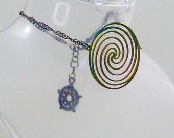 Bracelet symboles en métal électrolysés au titane