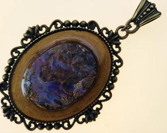 Pendentif en opale boulder druzy encadrée