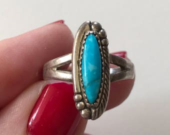 Vintage Vertical Blue Turquoise 925 Sterling Silver Ring