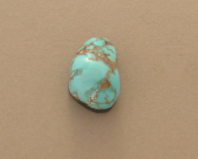 Small Green Teardrop Cabochon  high grade Royston natural turquoise  20x13x9mm teardrop  green color  hand-cut turquoise cabochon