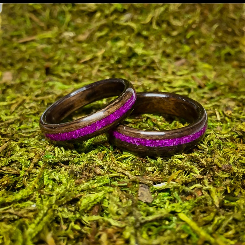 Men/'s or Woman/'s Ring anniversary Bentwood Ring Fumed Eucalyptus with a Sugilite inlay Wood Ring Bent Wood Ring purple stone,sugilite
