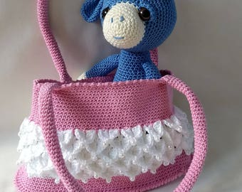 Crochet shoulder bag for little ladies.