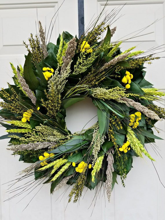 Spring wreath with yellow button flower 23 inch