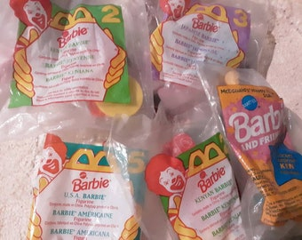 GENUINE MATTEL BASKET OF LOAVES OF BREAD  FOOD ACCESSORY LOT NEW FROM BOX