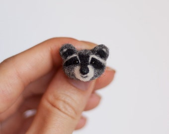 Raccoon pin Gardening Gift for women Animal brooch Cute badge Needle felted raccoon lapel pin Animal jewelry Love Gifts for Mom under 25