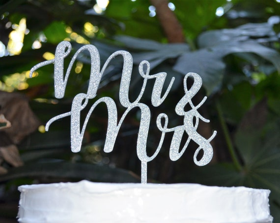 Mr & Mrs Wedding Cake Topper - Bride and Groom Wedding Cake Topper