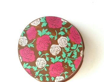 Chocolate covered oreo with roses