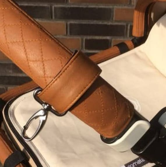 Bugaboo Cameleon 3 and Bugaboo Buffalo complete set with FREE bag hooks in real lambs leather in the quilted style.