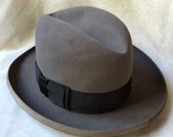 972470138a07d Vintage 1960 s Men s Resistol Light Brown Bark Colored Felt Fur  Self-Conforming Fedora Hat Size M 7 1 8