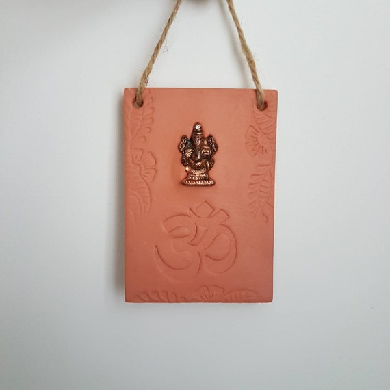 Hanging Ganesh Om Terracotta Clay Plaque Wall Decoration Spiritual Gift Housewarming Present Indian Wedding Gift Ethnic Art Diffuser