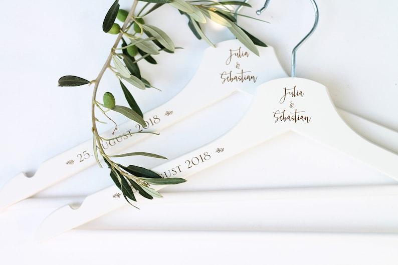 personalisierte KLEIDERBÜGEL mit Namen und Datum  Braut und image 0