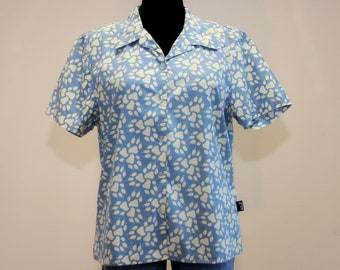 17e0bc65708 Vintage Jack Wolfskin Womens Shirt Paw Print Shirt Button Up Shirt 90s Womens  Shirt Vintage Blouse Blue Beige Colors Top Extra Large Size
