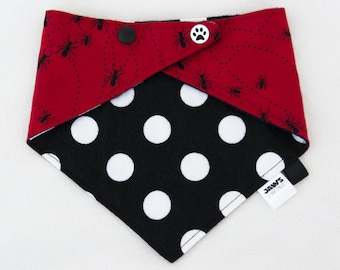 """Bib/scarf against the baby drool """"Ants"""" - red / black and white. Unisex. -Limited quantities!"""