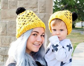 Bébé   maman bonnet tricoté ensemble jaune et noir chapeaux Poufsouffle  bonnets pompon chapeaux ringard tricotés knits chapeaux d hiver des bonnets  tricotés ... 1f454326bb2