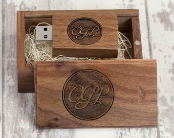 2528da227a79cc 5 x Personalised Walnut Woodland USB   Wooden Slide Box Bundle (USB3.0)