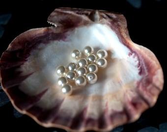 20 cream pearls 10mm