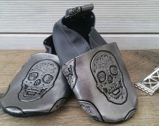Soft leather slippers, faux leather, baby slipper, boy slipper, girl slipper, child slipper, custom slipper, skulls
