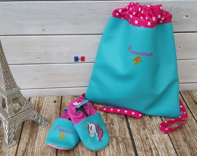 Set consisting of a kindergarten backpack and a soft pair of booties