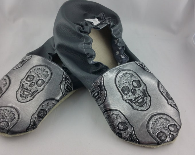 Soft leather slippers, faux leather, baby slipper, boy slipper, girl slipper, child slipper, custom slipper, skull