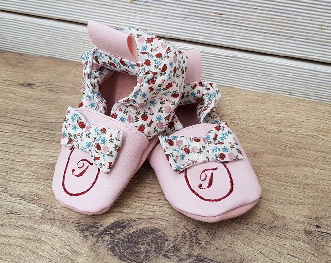 Soft leather slippers, baby slippers, girl slippers, floral bow, limited edition