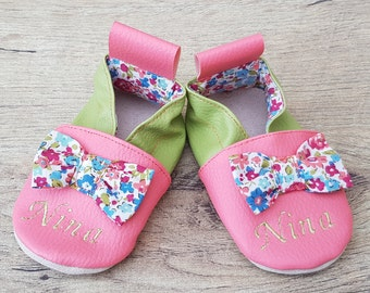 Soft slippers and custom accessories by Bidiartiste on Etsy