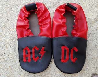 leather soft slippers, baby booties, embroidered soft slippers,